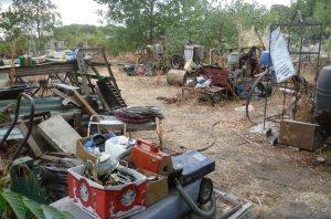 http://www.aetv.com/hoarders/pictures/season-5-17204262/james-yard1-before-17205406#James-Yard1-Before