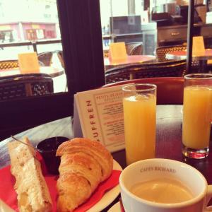 Breakfast at the Suffren