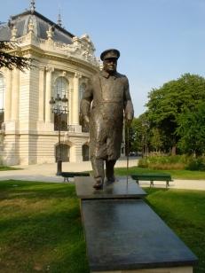 Statue of Winston Churchill on Avenue Winston Churchill, Paris