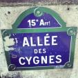 Sign post on Pont Bir Hakeim